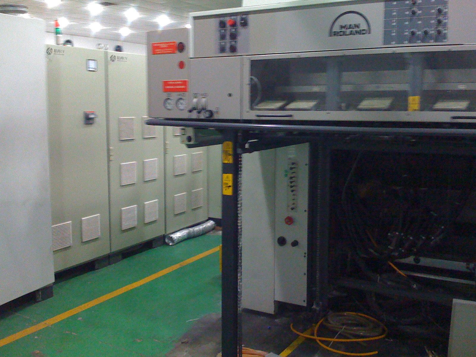 曼罗兰700胶印机加装UV3